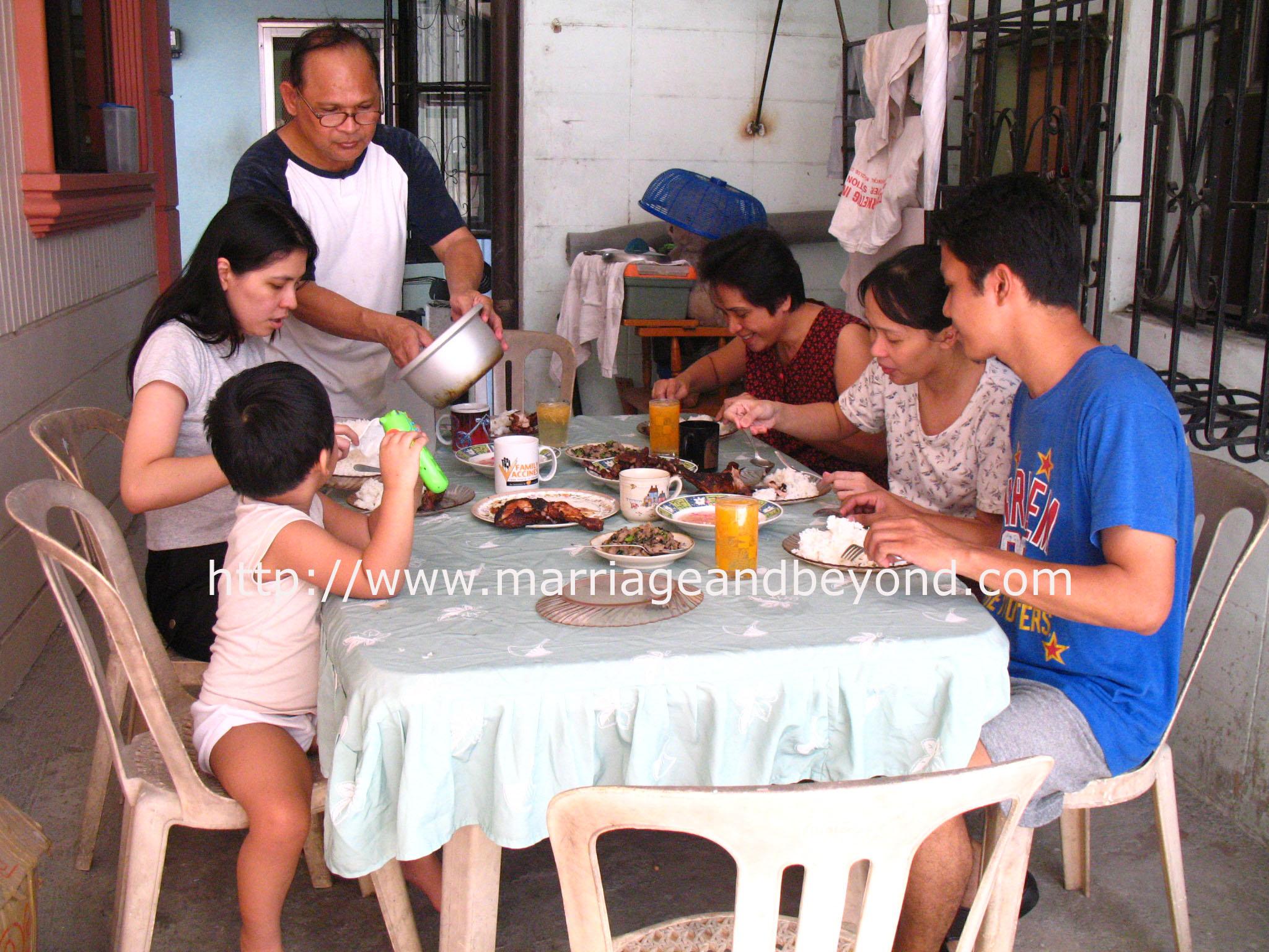 family-weekend-snapshot.jpg