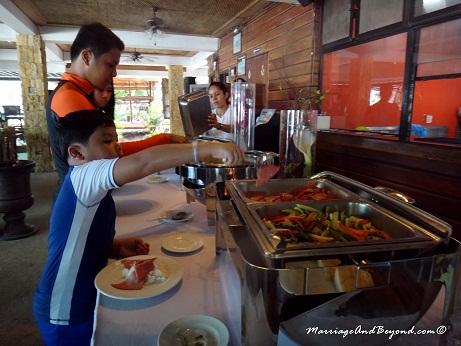 Dumaluan Beach Resort buffet breakfast