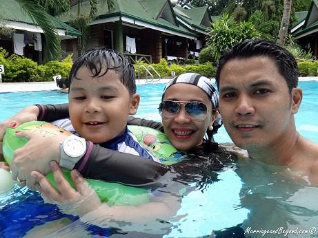Dumaluan Beach Resort pool