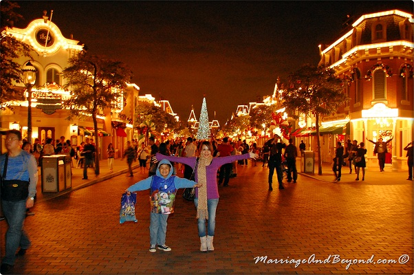Christmas In Disneyland Hong Kong.Experience A Mega Magical Christmas With Hongkong Disneyland