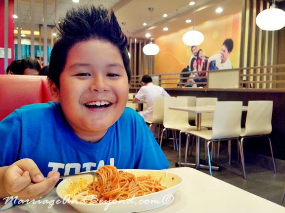 jollibee spaghettiest with my son