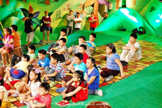 jollitown kids show taping break time