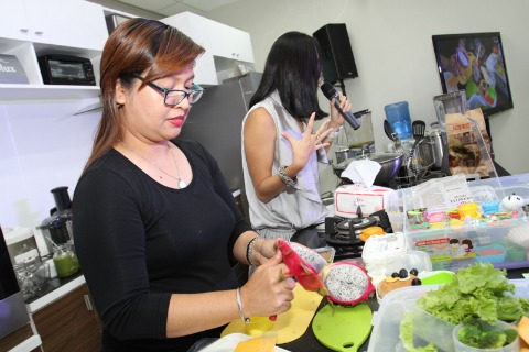 Lourdes Labii Bento Making