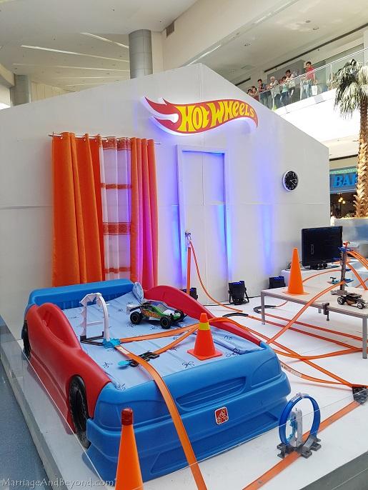 Hot Wheels diorama boys room