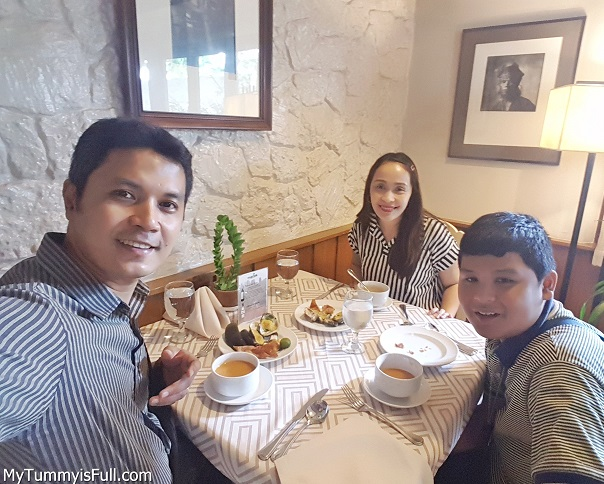 TeamAspacio at the Mario's Restaurant