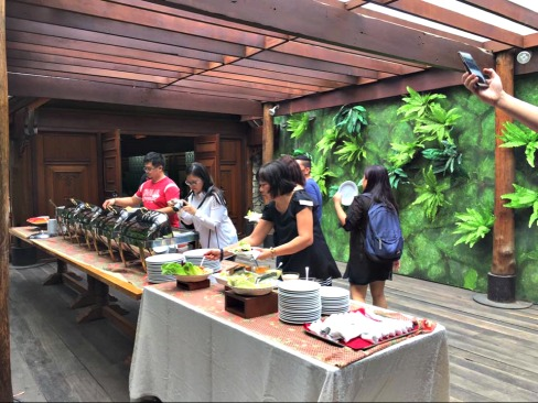 Buffet lunch at Lola Maria