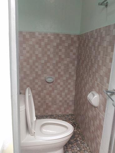 awel seashore inn common toilet in baler