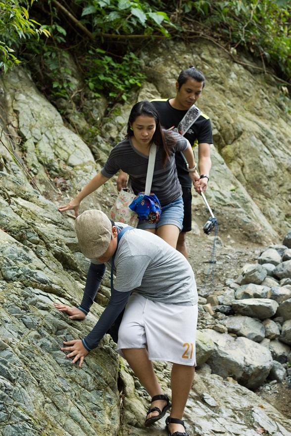 treking-to-ditumabo-falls