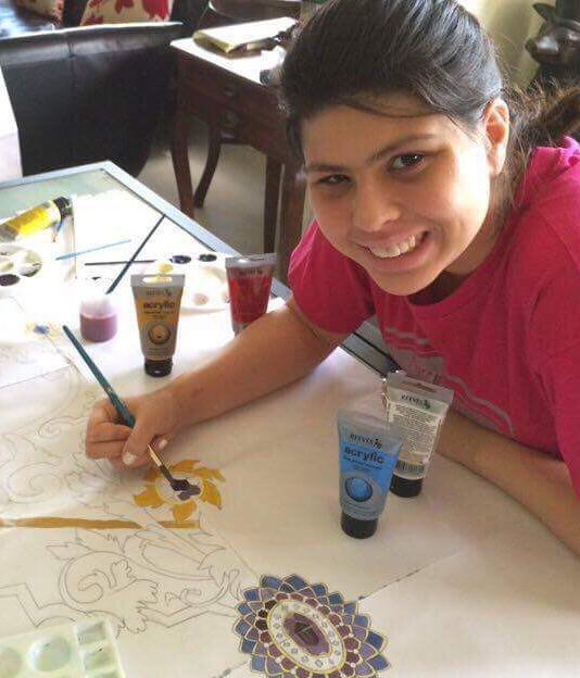 samantha-kaspar while painting