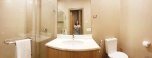 madison 101 toilet and bath