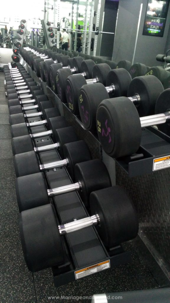 Anytime Fitness Glorietta free weights section