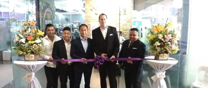 Anytime Fitness Glorietts ribbon cutting
